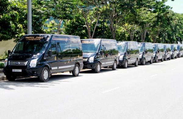 Dàn xe Thịnh Phát Limousine hạng sang khuấy động Biên Hòa