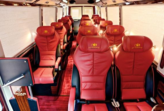 Fuso DCar Limousine Đỏ